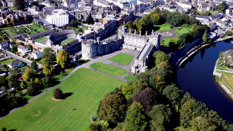 Kilkenny-Castle, Co Kilkenny Irelands Ancient East