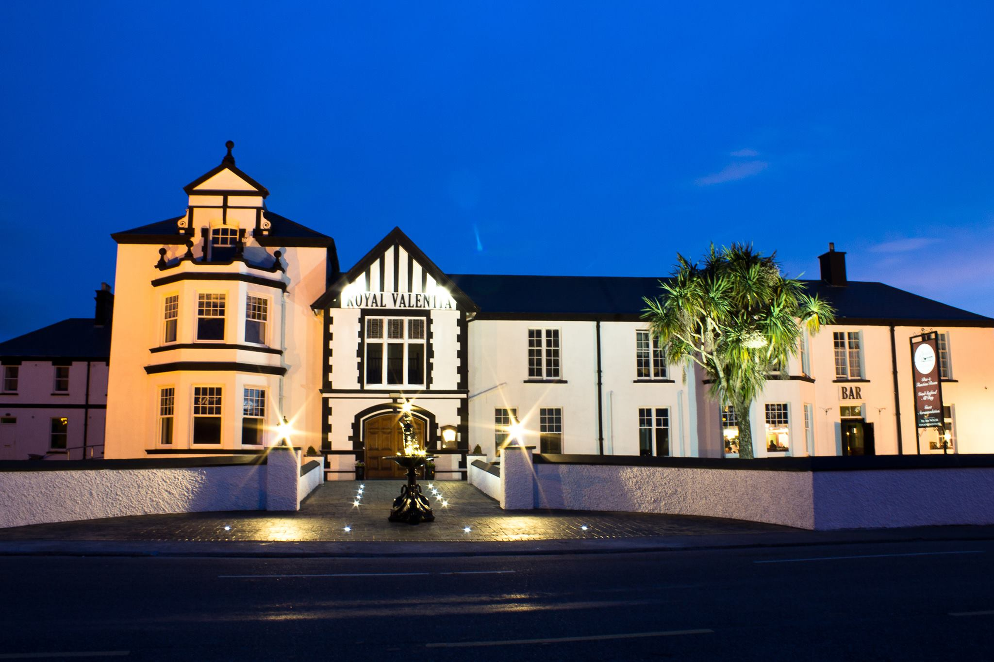 the royal hotel knightstown valentia island kerry wild. Black Bedroom Furniture Sets. Home Design Ideas