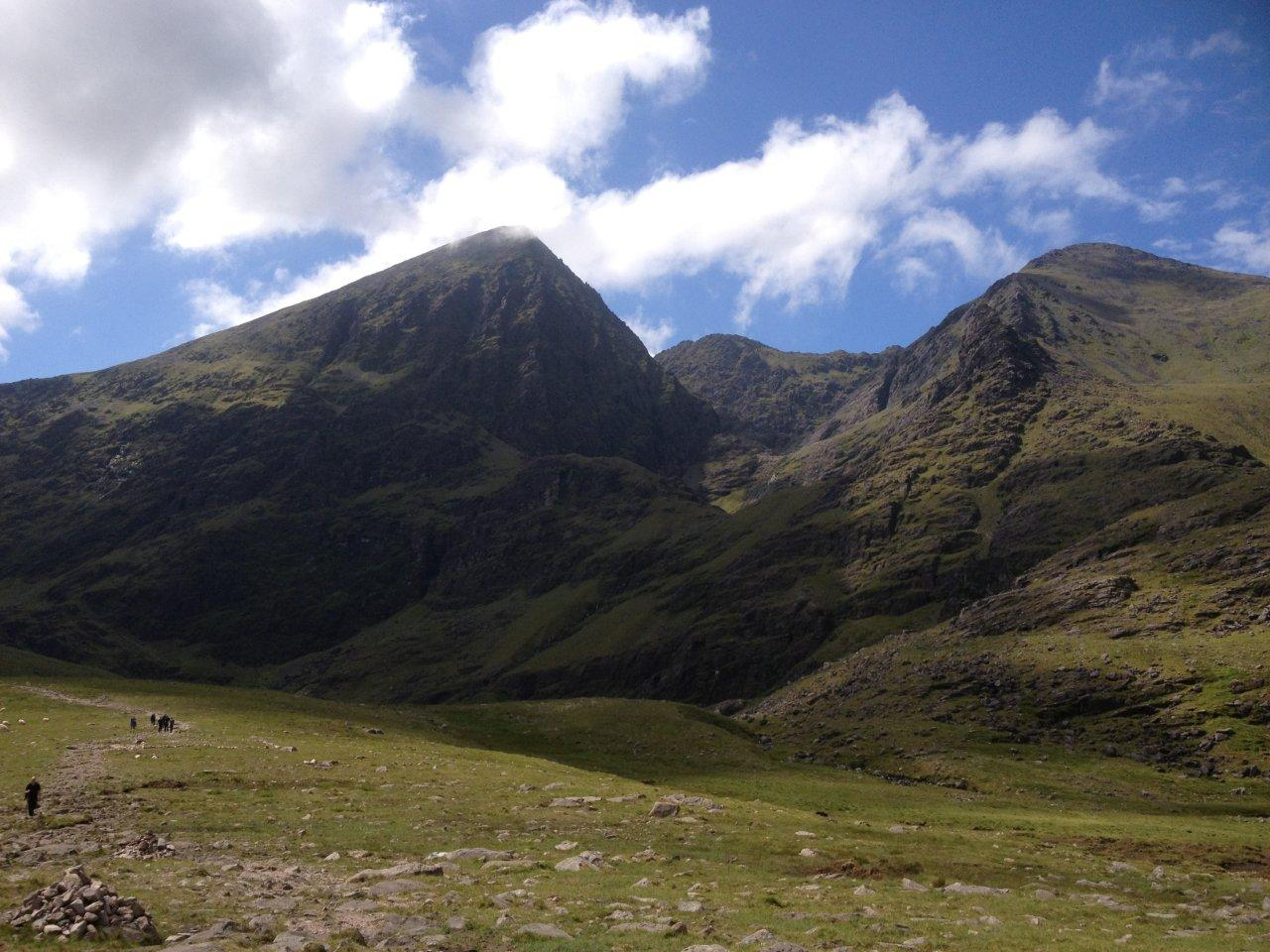 walking map app with Stumpa An Tsaimh Ridge To Beenkeragh on 5611266989 as well Carrauntoohil Mountain Via Devils Ladder Kerry further Cn as well 3383442112 moreover Montreal Highlights Walking Tour.