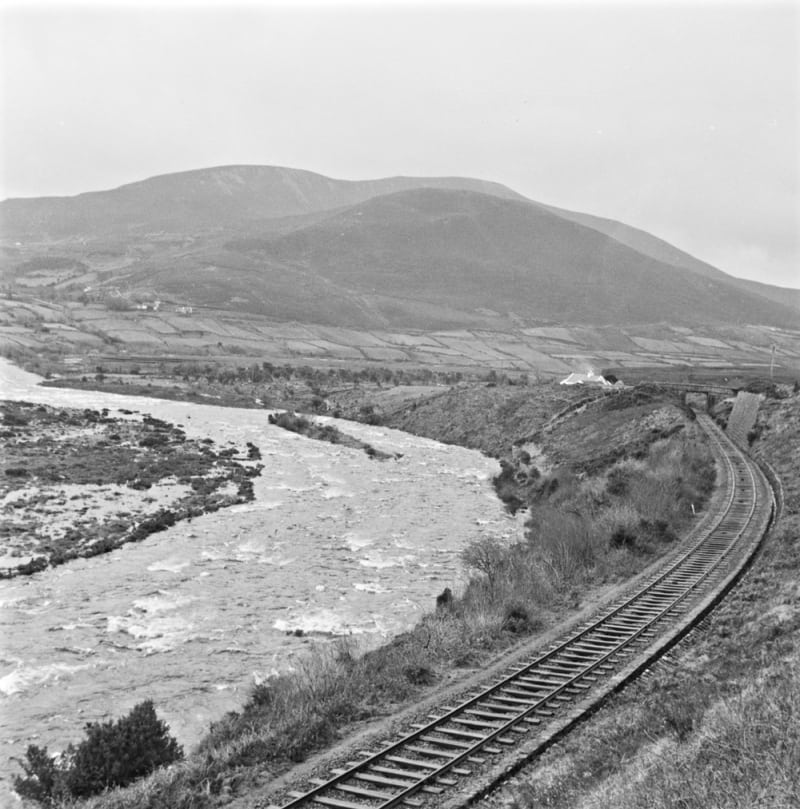 Journeys Near Me >> Kerry Greenway on the Farranfore to Valentia Island Disused Railway, Kerry, Ireland | Activeme.ie