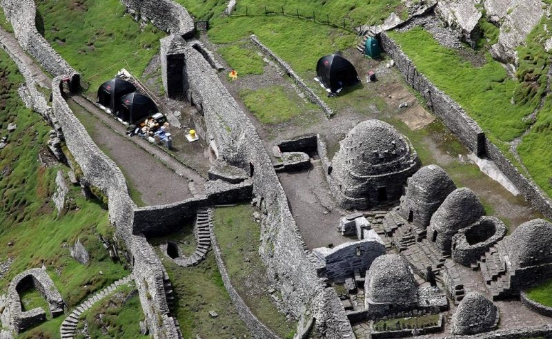 Behind the Scenes Filming-of-Star Wars VIII The Force Awakens on Skellig Islands, Co Kerry, Ireland on the Wild Atlantic Way