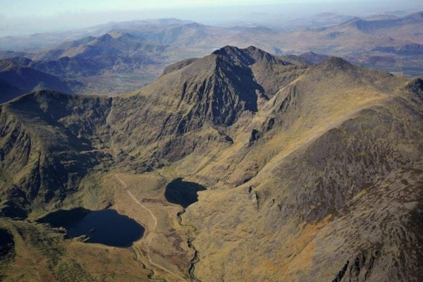 carrauntoohil mountain via devils ladder  macgillycuddys