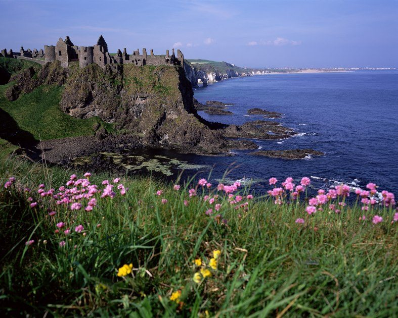 Dunluce-Castle-Antrim-Ballycastle-Co-Antrim-on-the-Causeway-Coastal-Drive-from-Derry-to-Belfast
