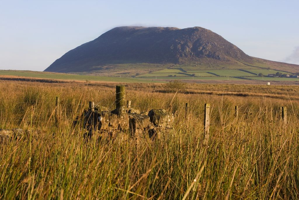 Slemish-Mountain-Loop-Walking-Route-Volcanic-Plug-Holy-Hill-of-St.-Patrick-Ballymena-Antrim-Northern-Ireland